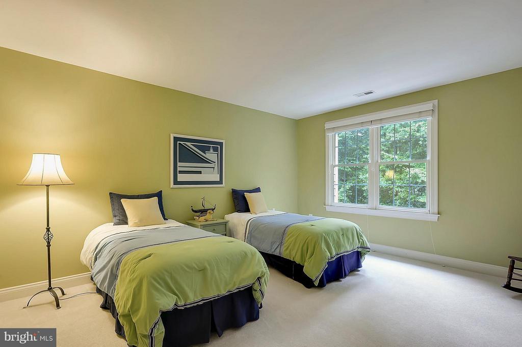 Bedroom #4 - 306 SINEGAR PL, STERLING
