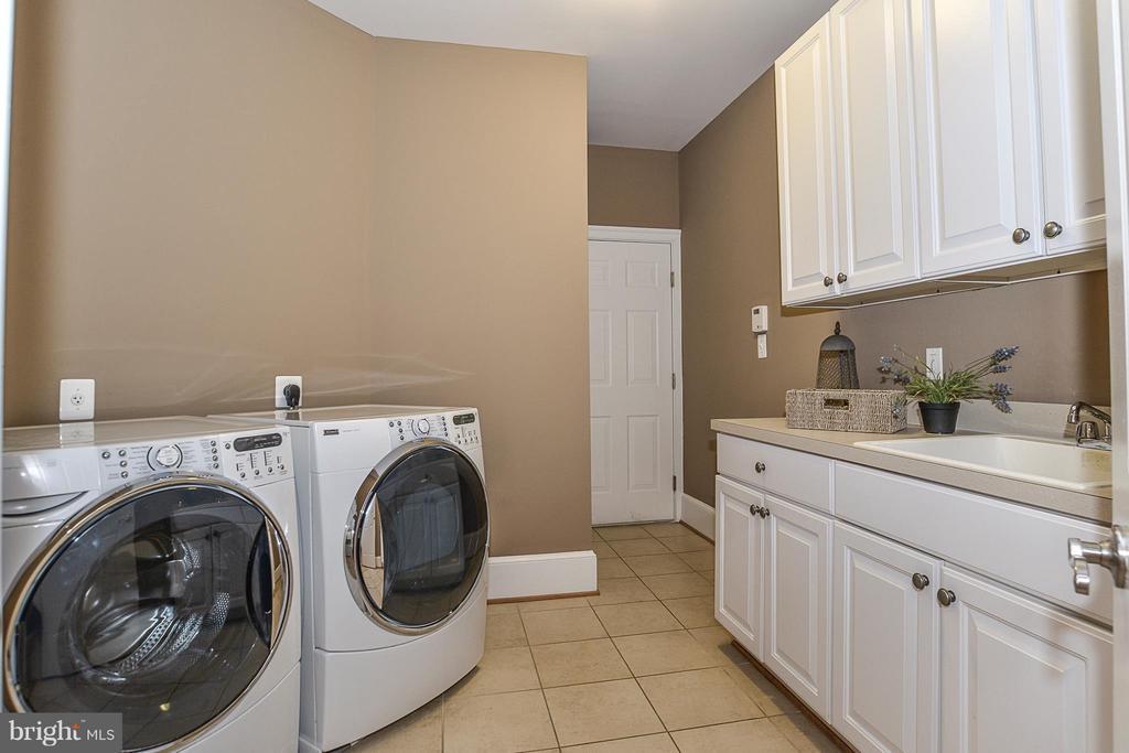 Laundry/Mud Room - 108 CHURCH PL, FALLS CHURCH