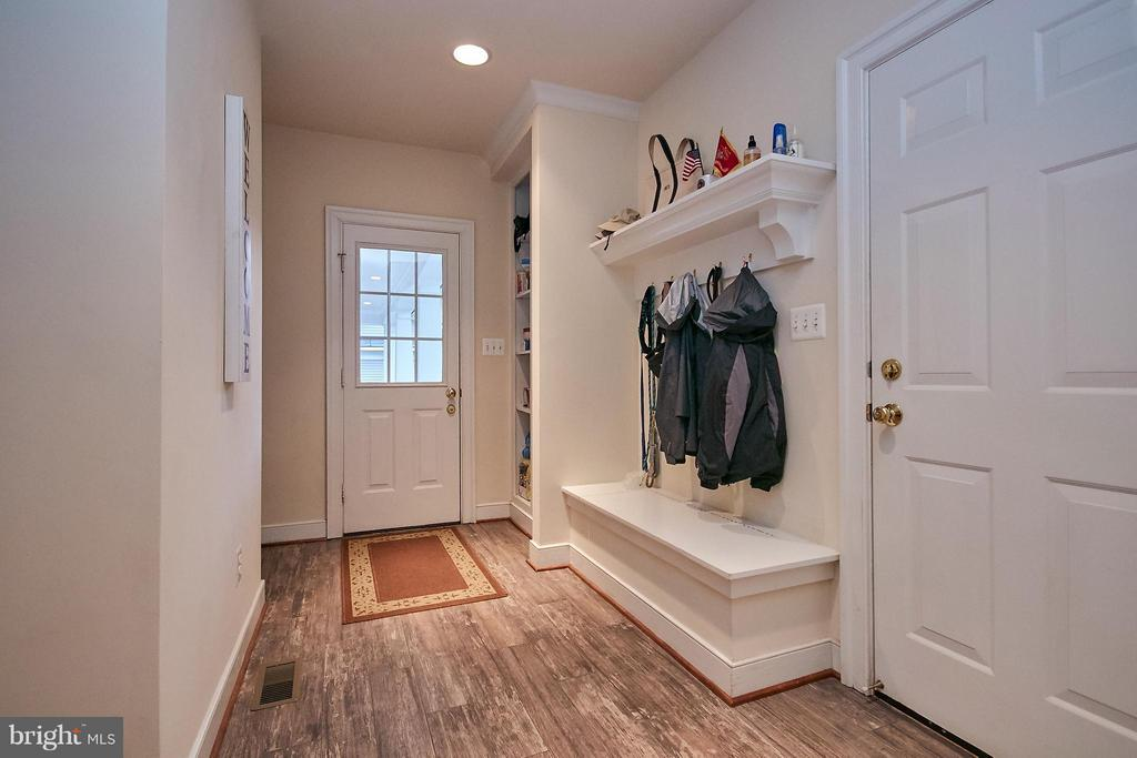 Side entry off covered porch with cubbies, closets - 7224 FARR ST, ANNANDALE
