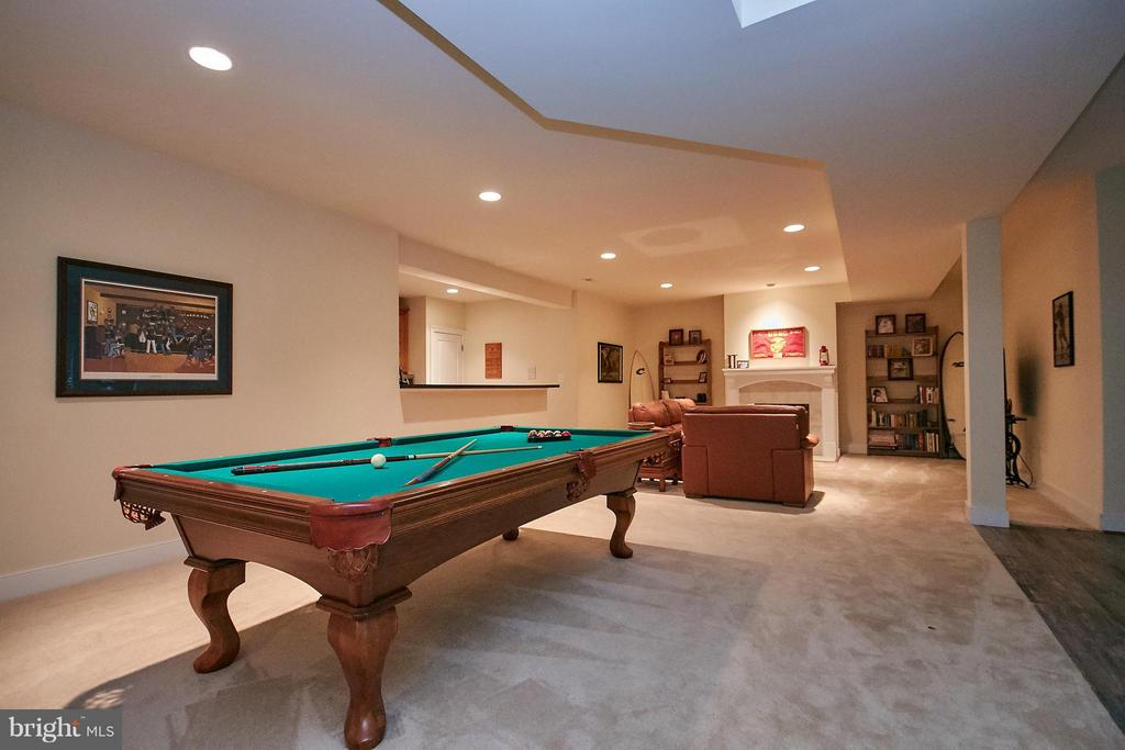 Basement game table space - 7224 FARR ST, ANNANDALE