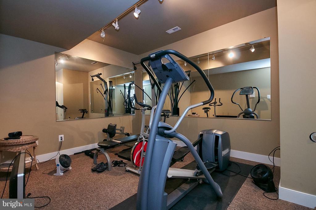 Basement exercise room - 7224 FARR ST, ANNANDALE