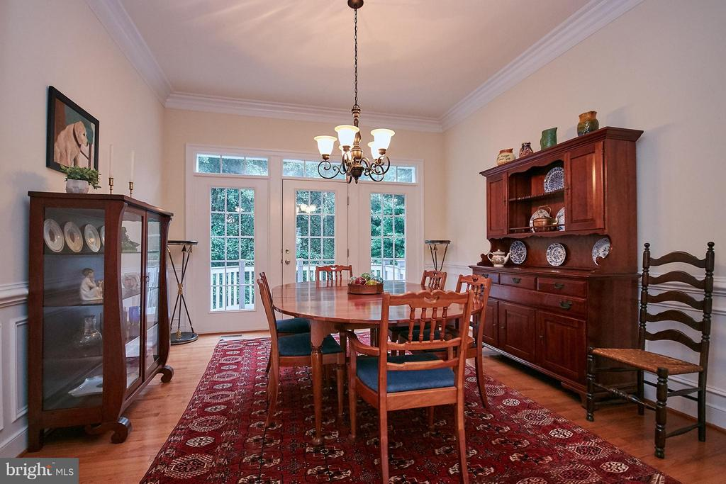 Dining Room w/ exit to Deck - 7224 FARR ST, ANNANDALE