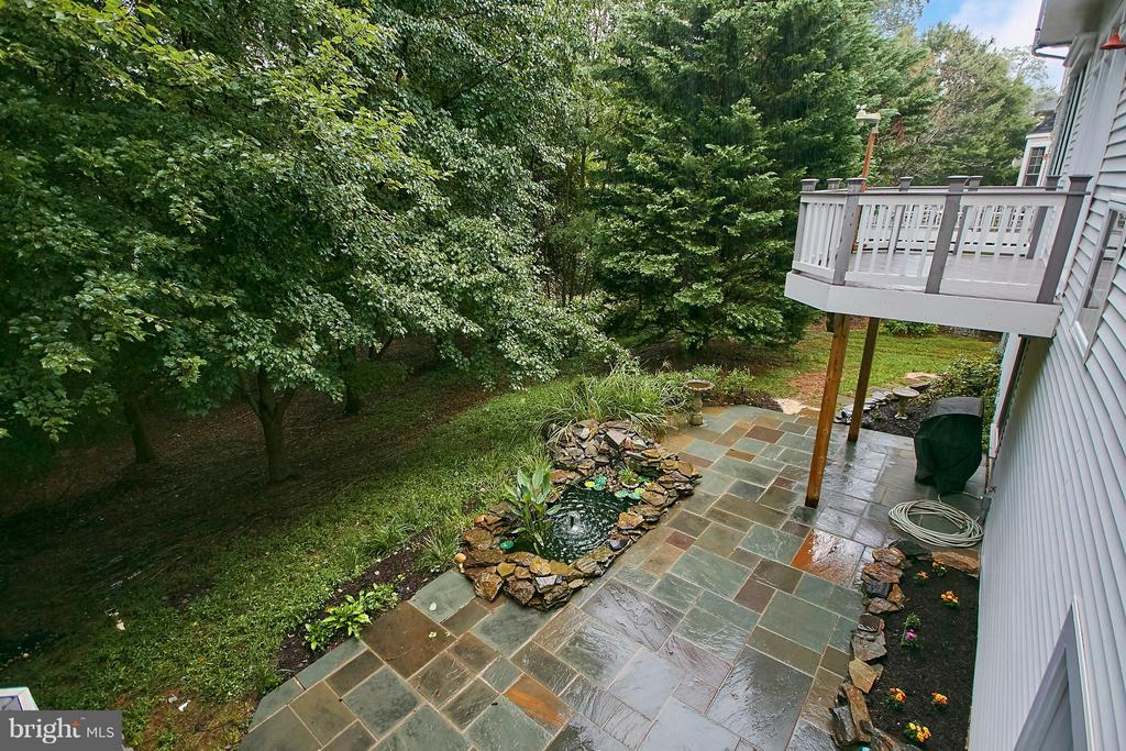 Deck #2, flagstone patio and small pond - 7224 FARR ST, ANNANDALE