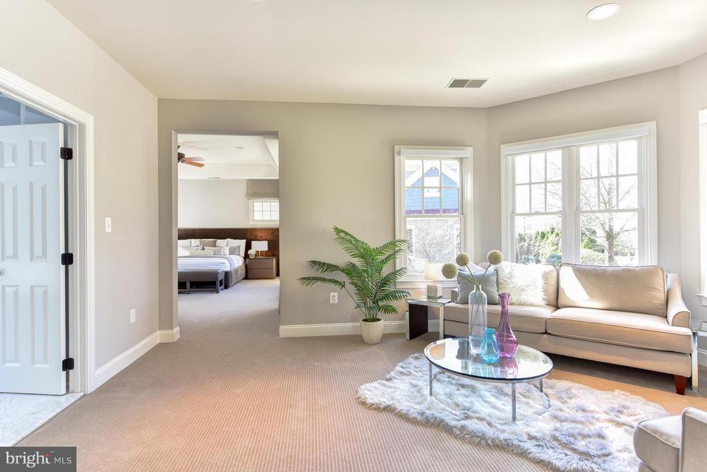 Master Suite Sitting Room - 2923 24TH RD N, ARLINGTON