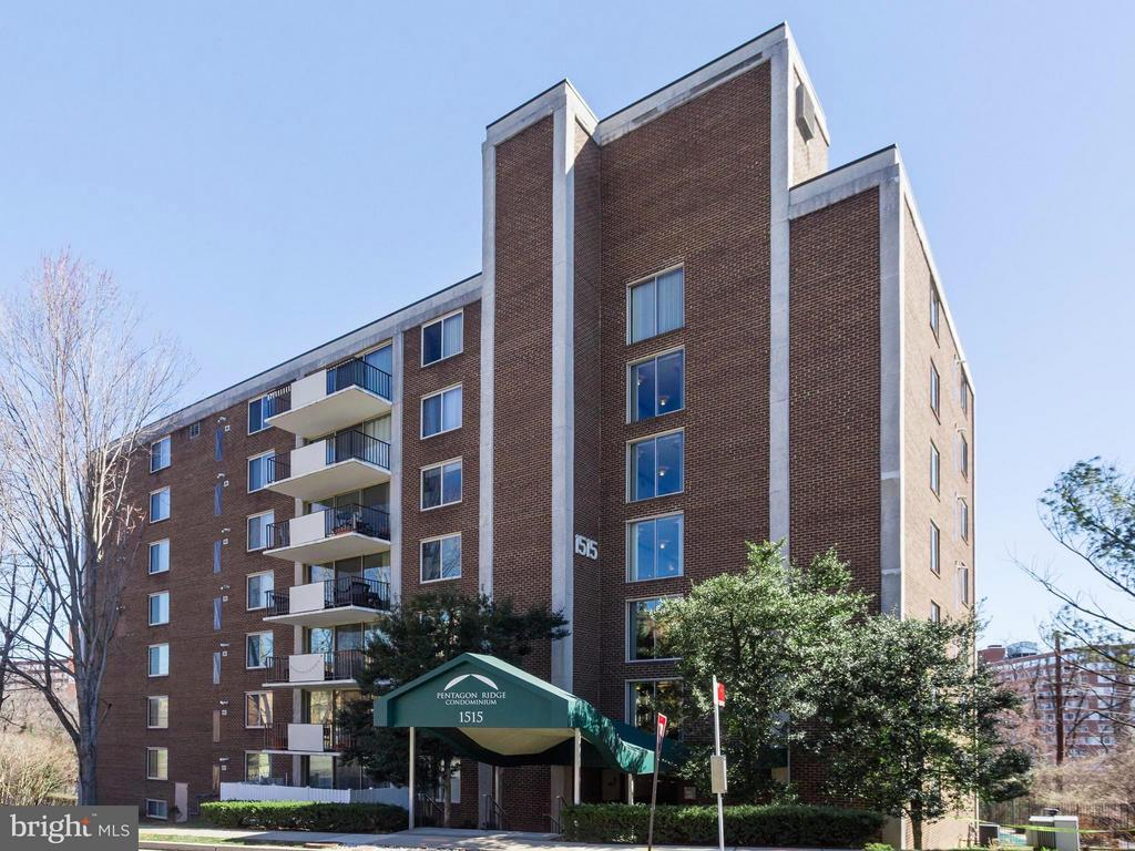Exterior (Front) - 1515 ARLINGTON RIDGE RD #202, ARLINGTON