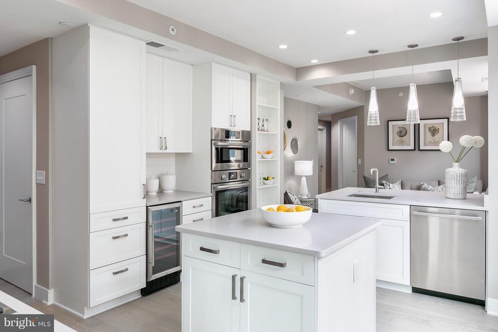 Kitchen - 8302 WOODMONT AVE #601, BETHESDA