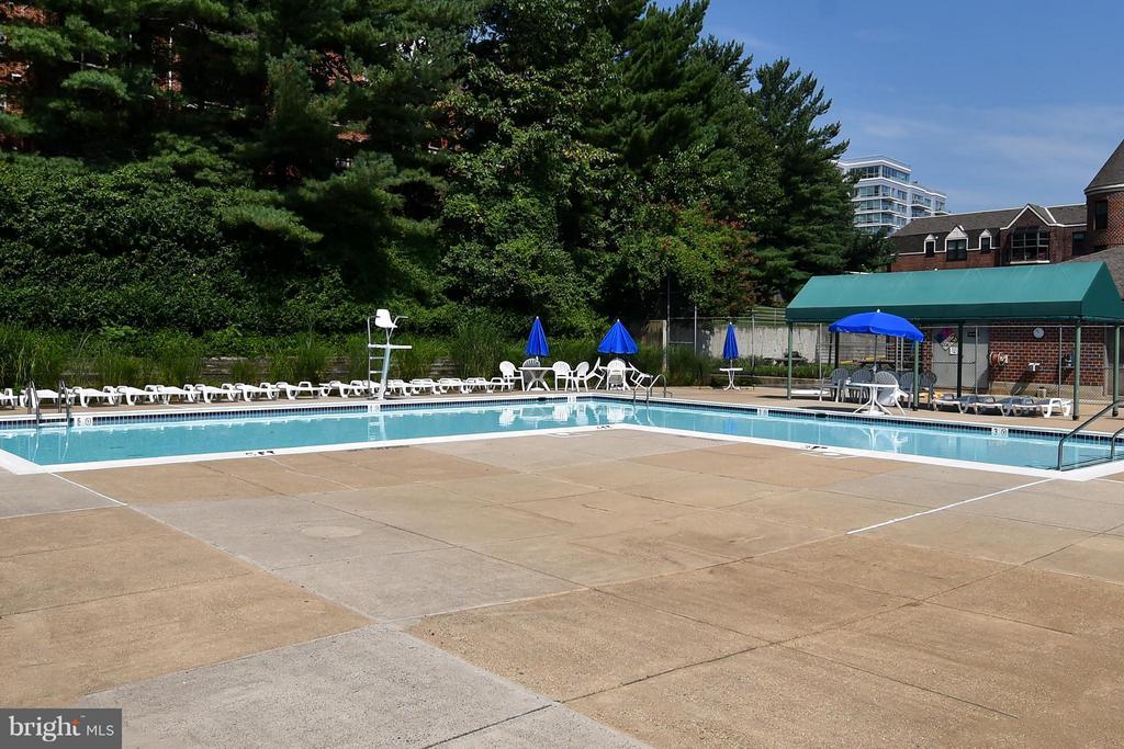 Pool - 2100 LEE HWY #210, ARLINGTON