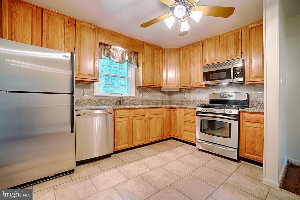 Kitchen - 7511 PLEASANT WAY, ANNANDALE
