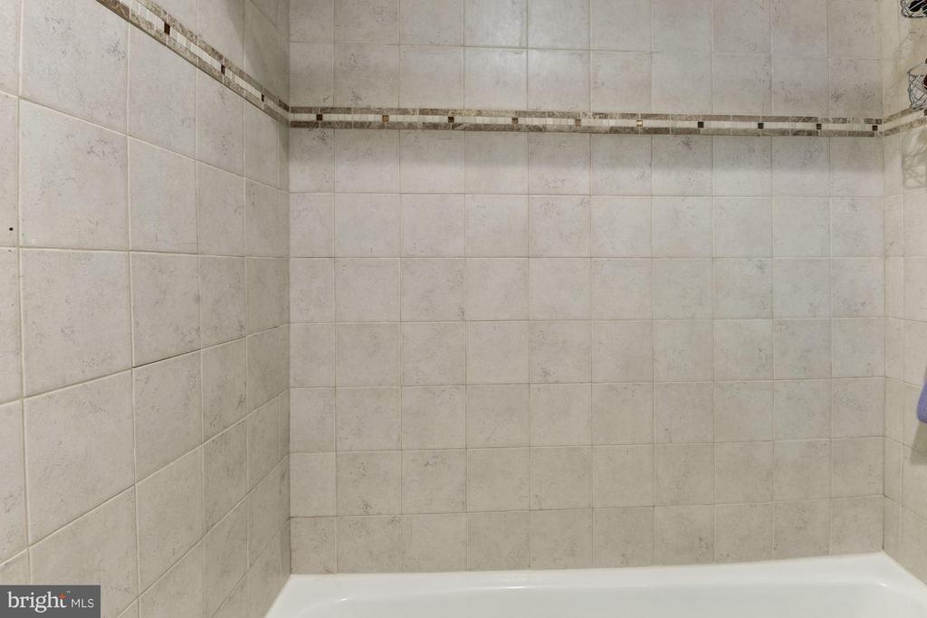 Designer  Italian tile - 3701 GEORGE MASON DR #1406N, FALLS CHURCH