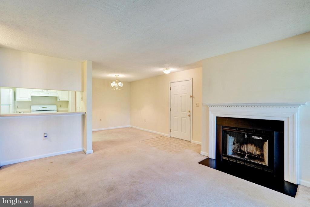 Living Room - 21014 TIMBER RIDGE TER #201, ASHBURN