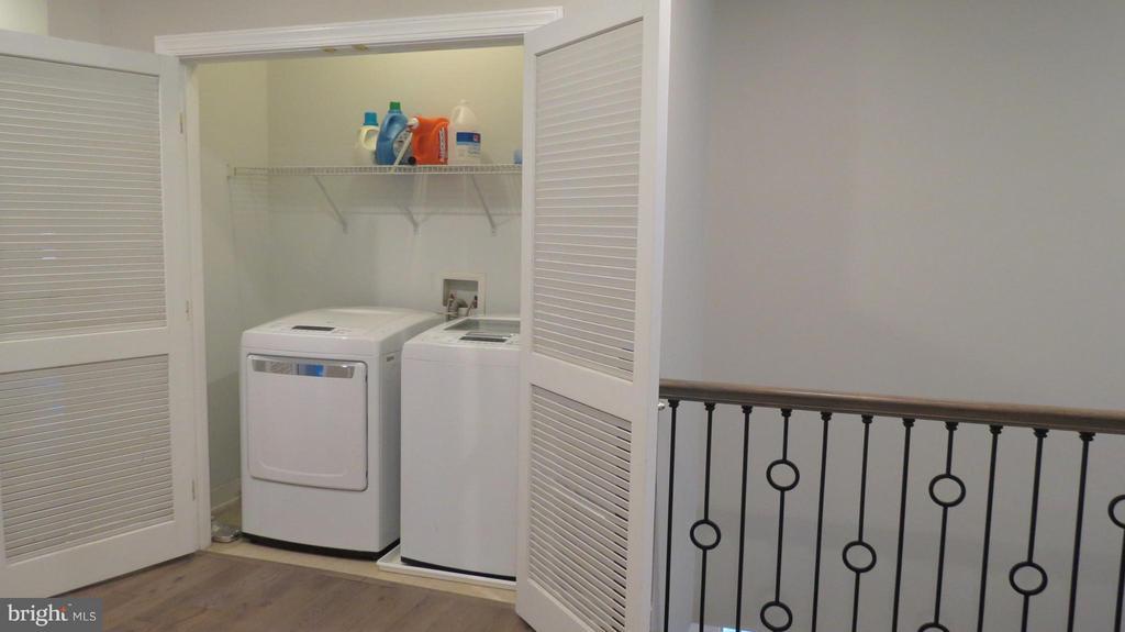 Bedroom Level Laundry - 42573 REGAL WOOD DR, ASHBURN