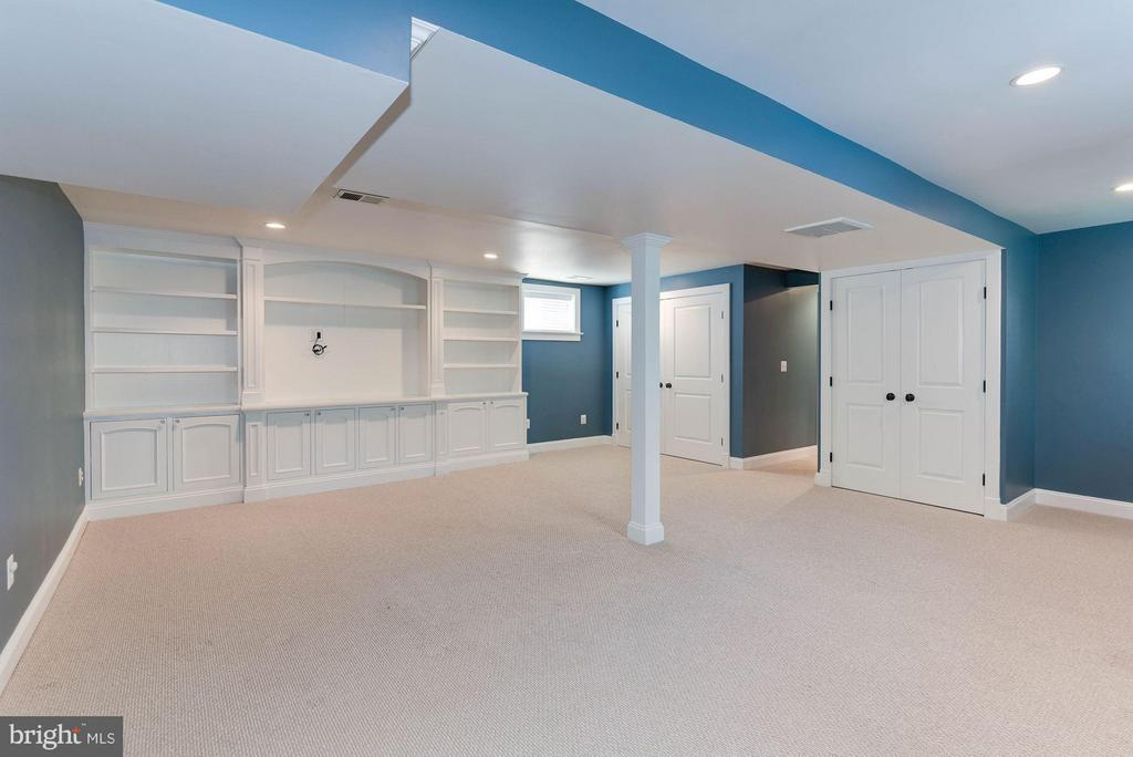 Custom Built Ins! - 508 25TH ST S, ARLINGTON