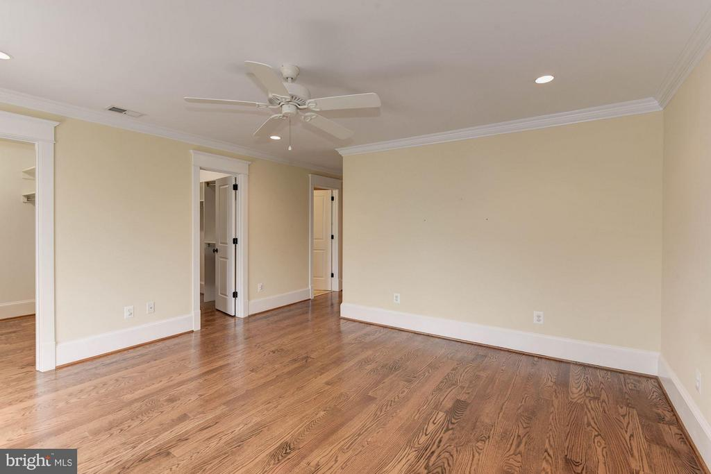 Master Bedroom w/ 2 Walk Ins! - 508 25TH ST S, ARLINGTON