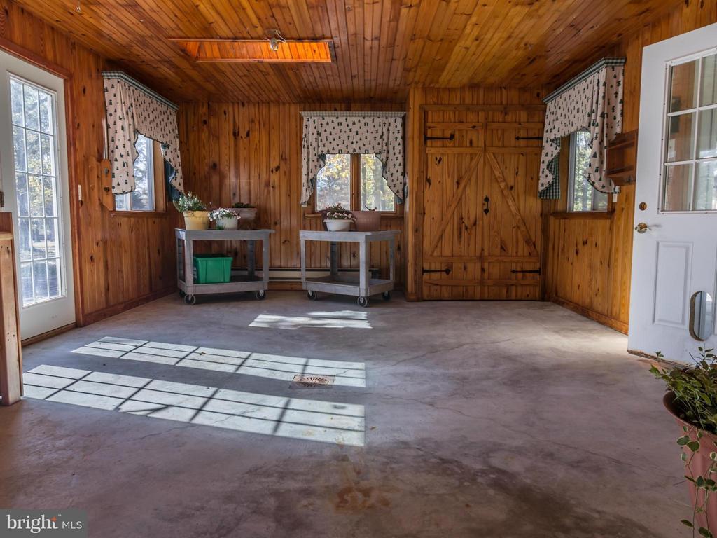Garden house interior - 3401 BACK MOUNTAIN RD, WINCHESTER
