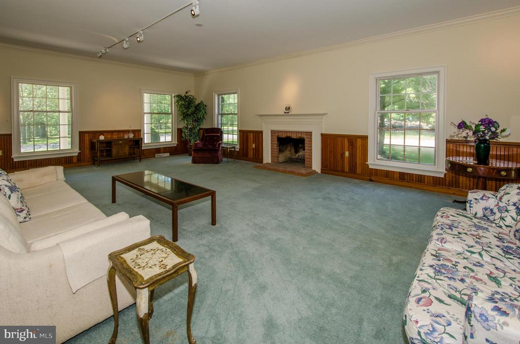 Formal Living Room - 3401 BACK MOUNTAIN RD, WINCHESTER