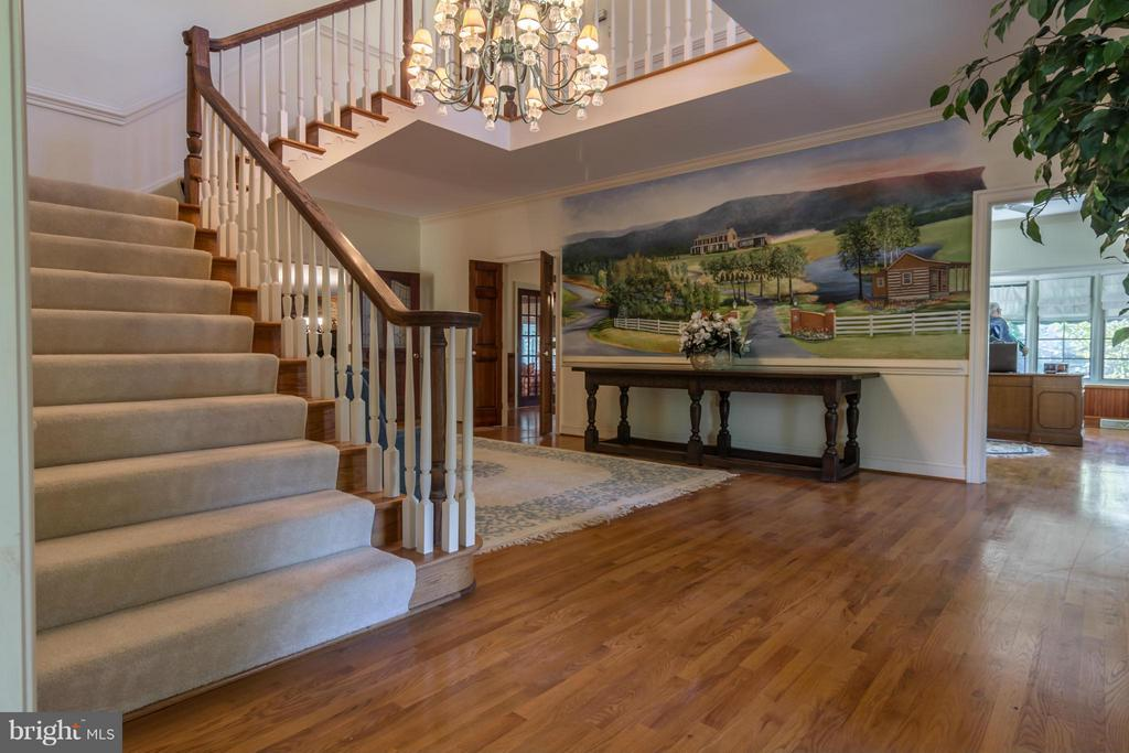 Foyer/Formal Entry Hall - 3401 BACK MOUNTAIN RD, WINCHESTER