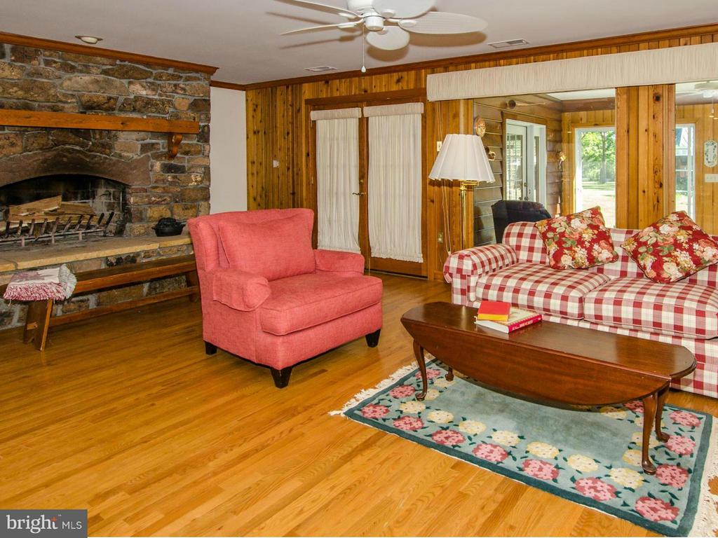 Great Room - 3401 BACK MOUNTAIN RD, WINCHESTER