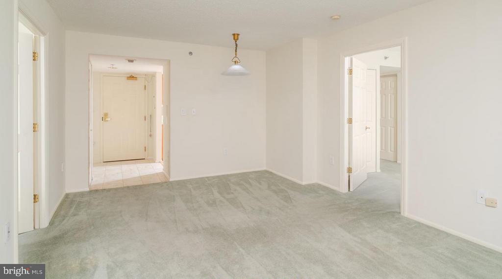 Seller offering flooring credit! - 900 TAYLOR ST #1225, ARLINGTON