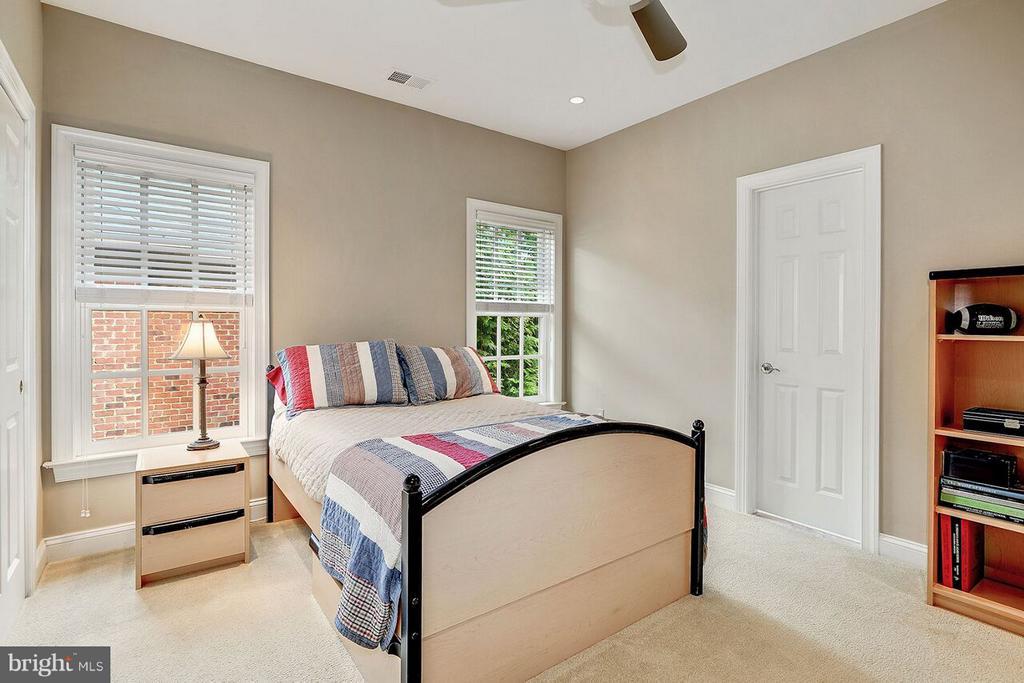 Guest Bedroom #2 - 2323 N RIDGEVIEW RD, ARLINGTON