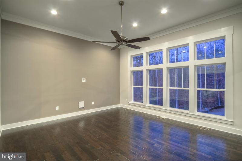 Family Room - INDIAN POINT RD, STAFFORD