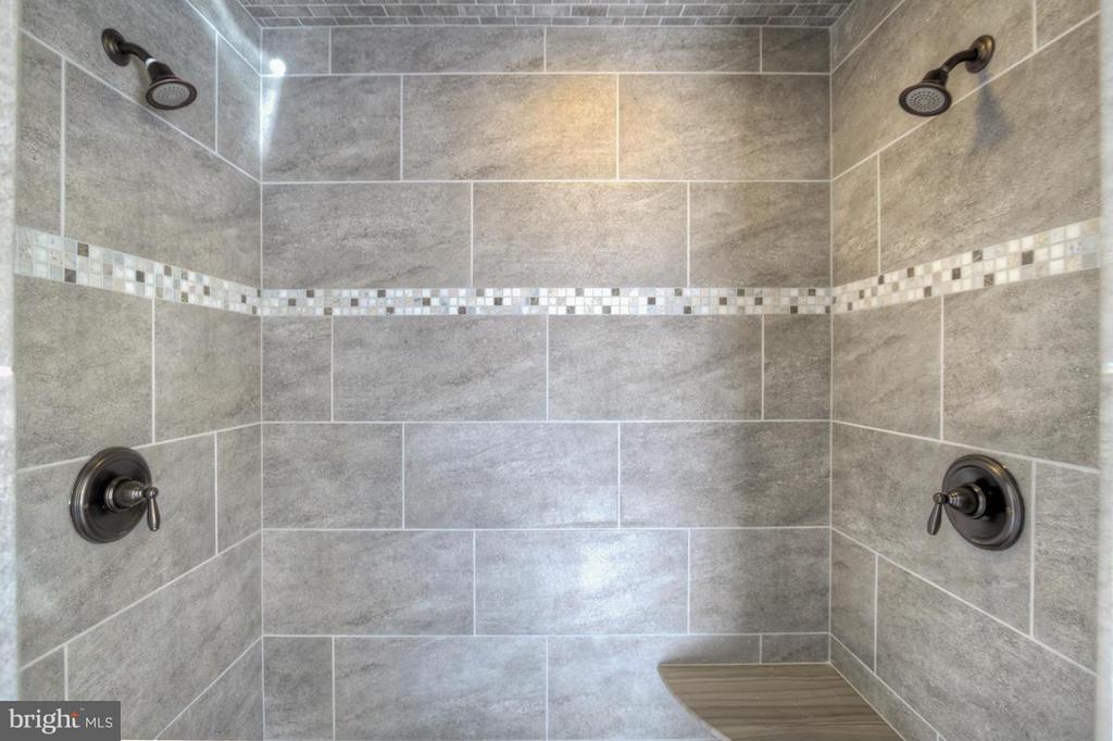 Bath (Master) - INDIAN POINT RD, STAFFORD