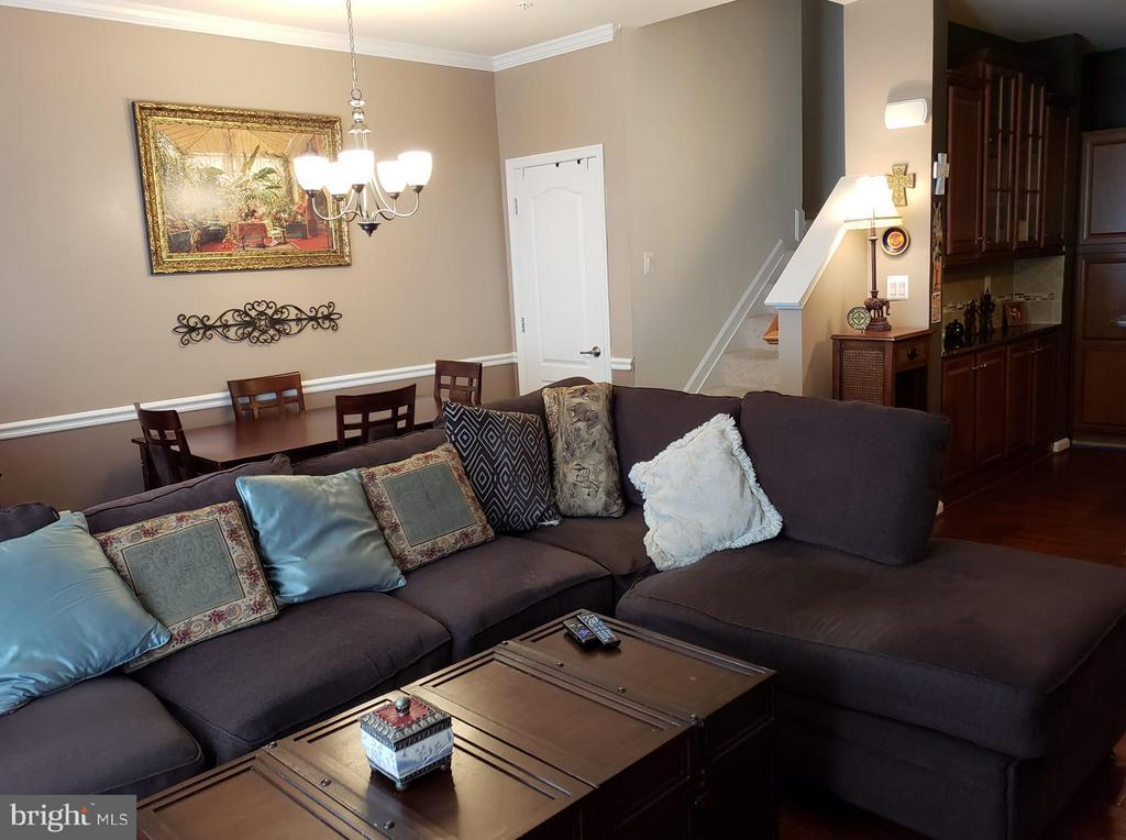 Living Room - 4814 DANE RIDGE CIR, WOODBRIDGE