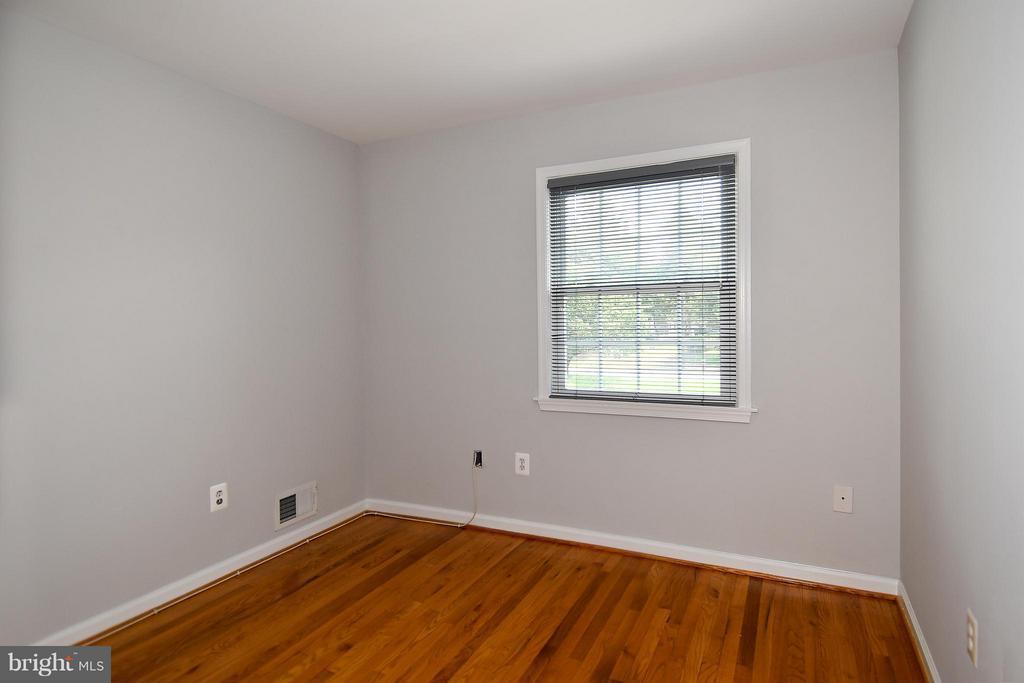 Bedroom #3 w/Hardwood Floor - 6024 FRANCONIA RD, ALEXANDRIA