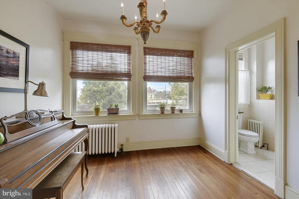 Sunny Music Room/Den - 1622 ALLISON ST NW, WASHINGTON