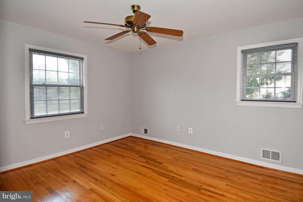 Bedroom #2 w/Beautiful Hardwood Floor - 6024 FRANCONIA RD, ALEXANDRIA