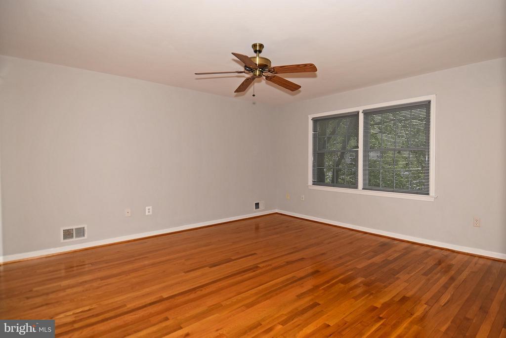 Bedroom (Master) From Hall Door w/Hardwood Floors - 6024 FRANCONIA RD, ALEXANDRIA