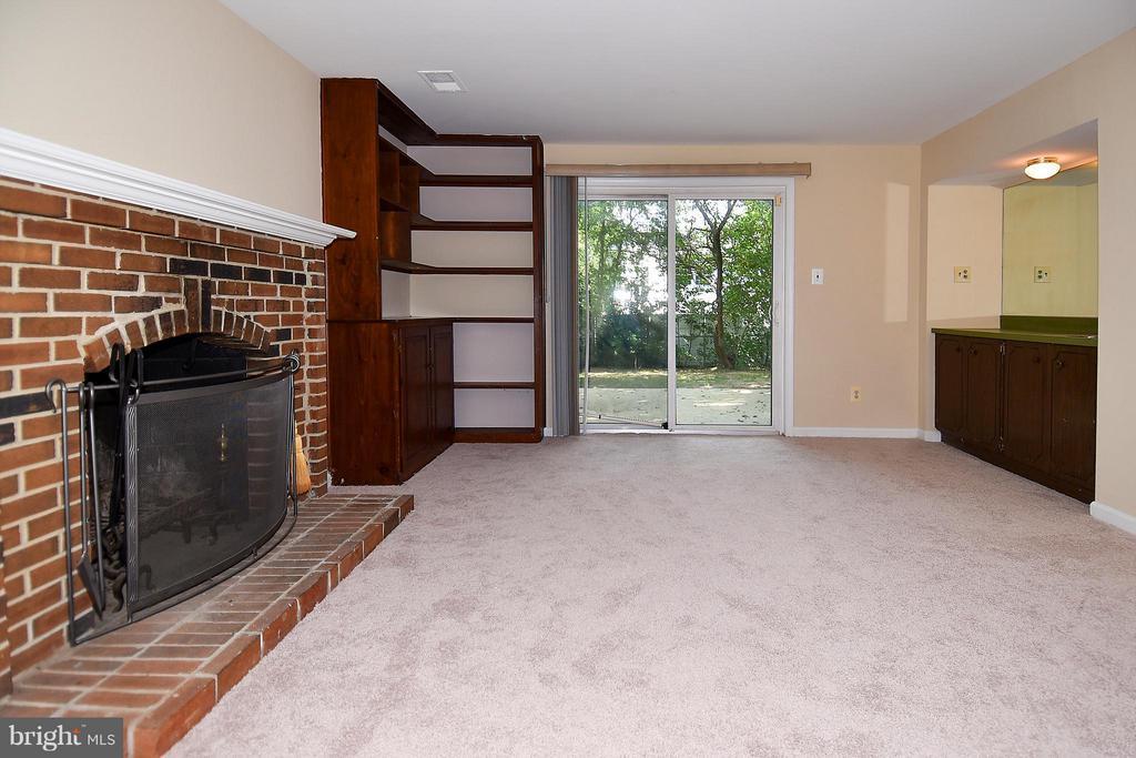 Family Room w/Wood Burning FP w/New Carpet - 6024 FRANCONIA RD, ALEXANDRIA