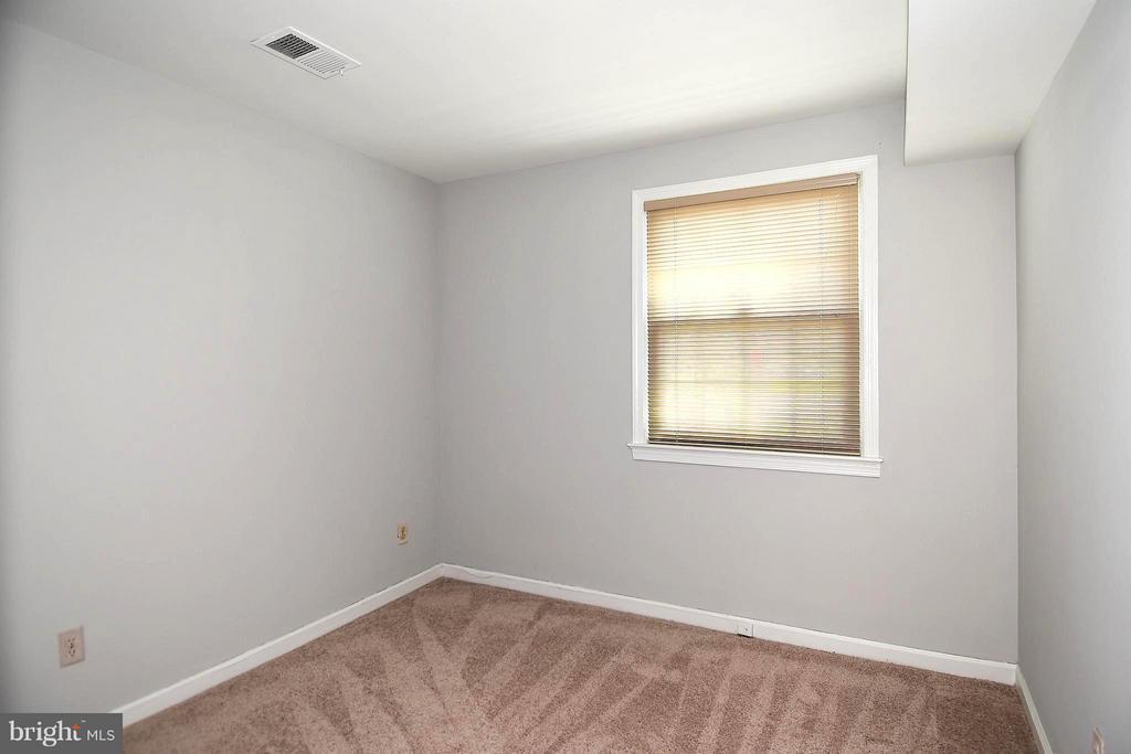 Bedroom #5 w/New Carpet - 6024 FRANCONIA RD, ALEXANDRIA