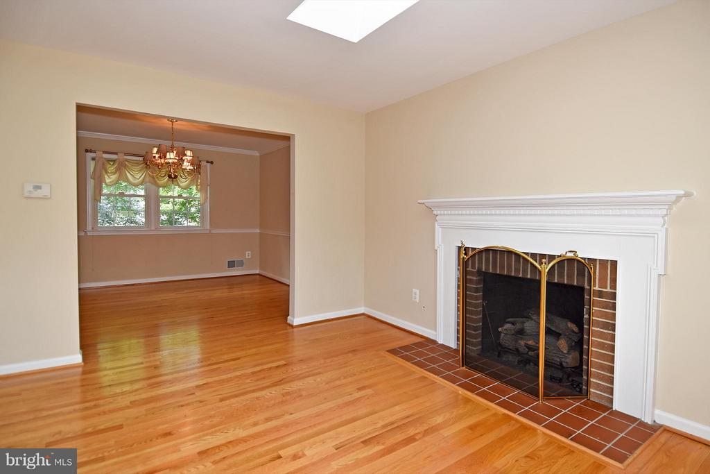 Living Room Into Dining Room, w/Gas Firepllace - 6024 FRANCONIA RD, ALEXANDRIA