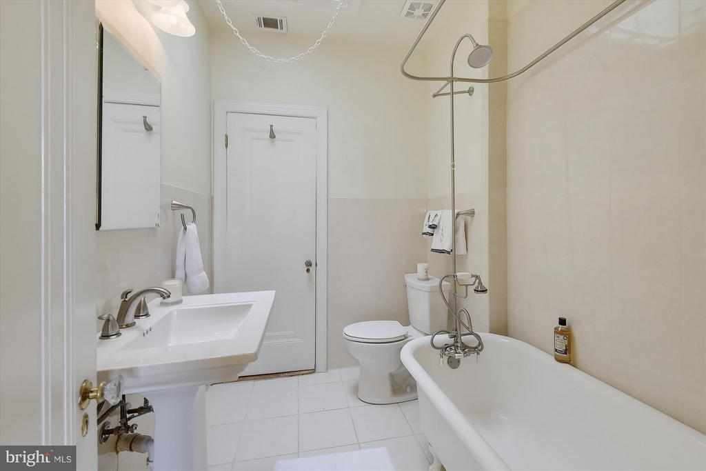 Master Bath - 1622 ALLISON ST NW, WASHINGTON
