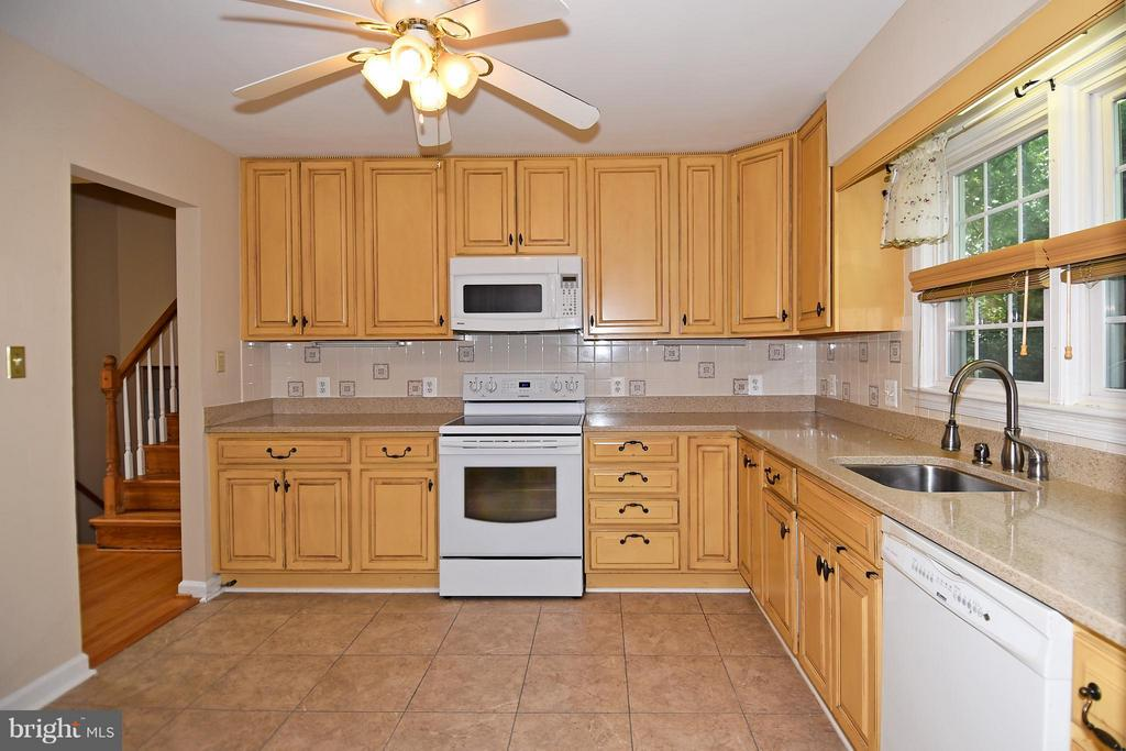 Kitchen From Dining Room - 6024 FRANCONIA RD, ALEXANDRIA