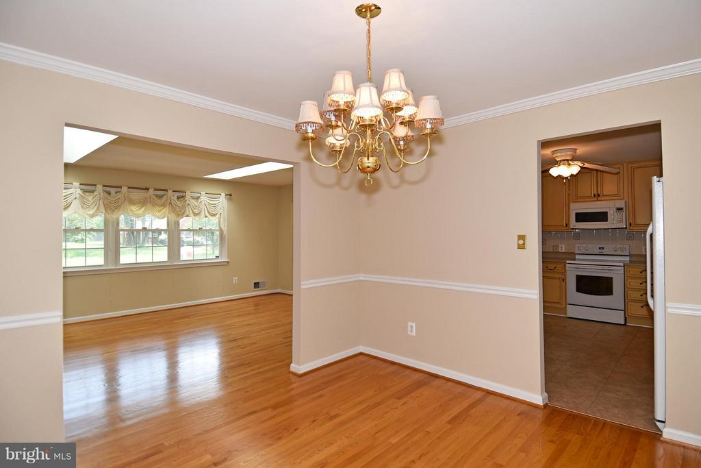 Dining Room into Kitchen and Living Room - 6024 FRANCONIA RD, ALEXANDRIA