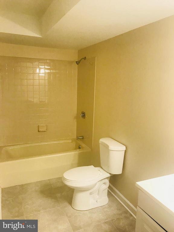 2nd Floor Bath - 9305 MERCY HOLLOW LN, ROCKVILLE