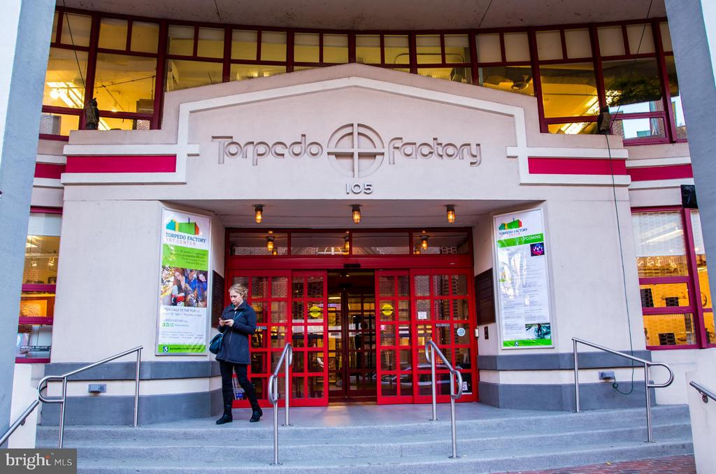Torpedo Factory is close by - 508 PRINCE ST, ALEXANDRIA