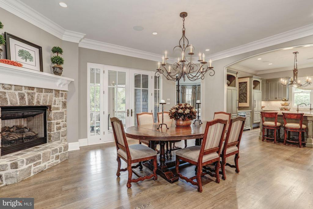 Breakfast Room - 8119 SPRING HILL FARM DR, MCLEAN