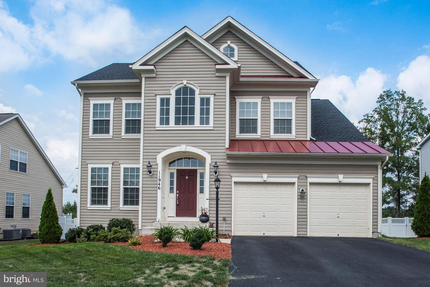 Single Family for Sale at 11946 Blue Violet Way Bristow, Virginia 20136 United States