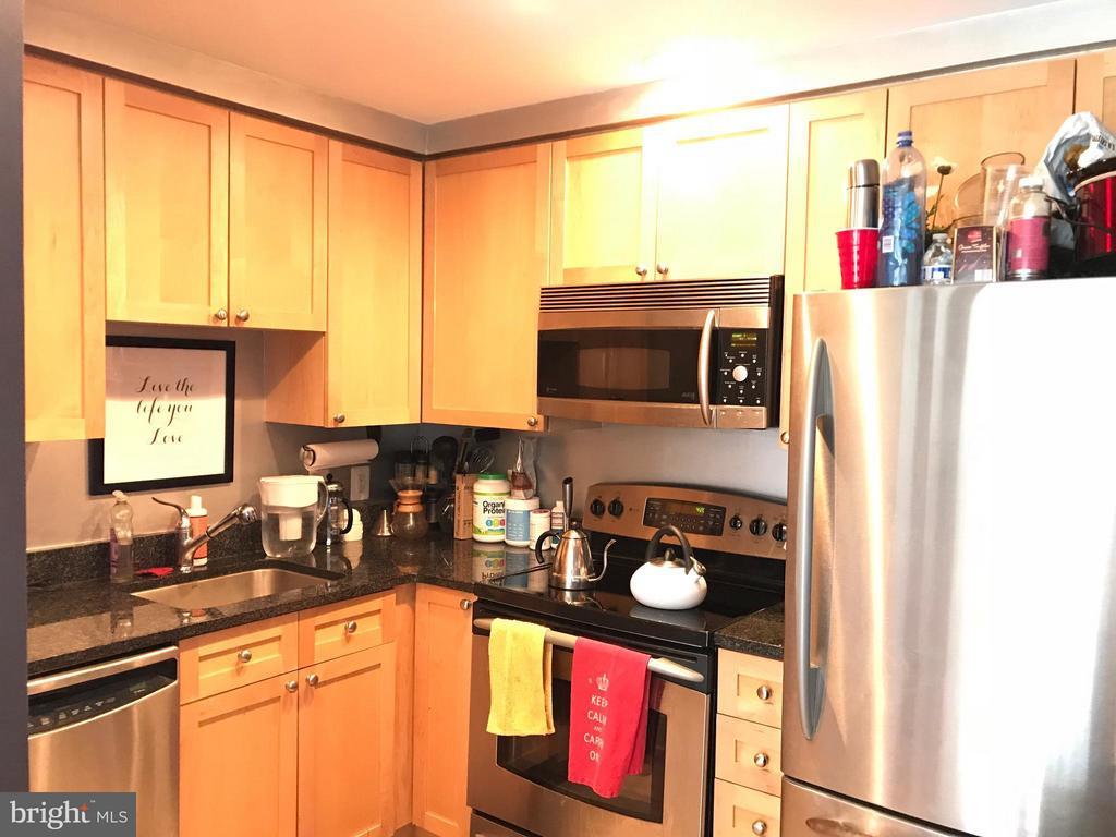 Kitchen - 2001 15TH ST N #419, ARLINGTON