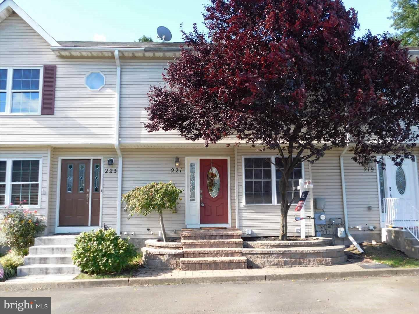 Photo of home for sale at 221 Melvin Ave S, Morrisville PA