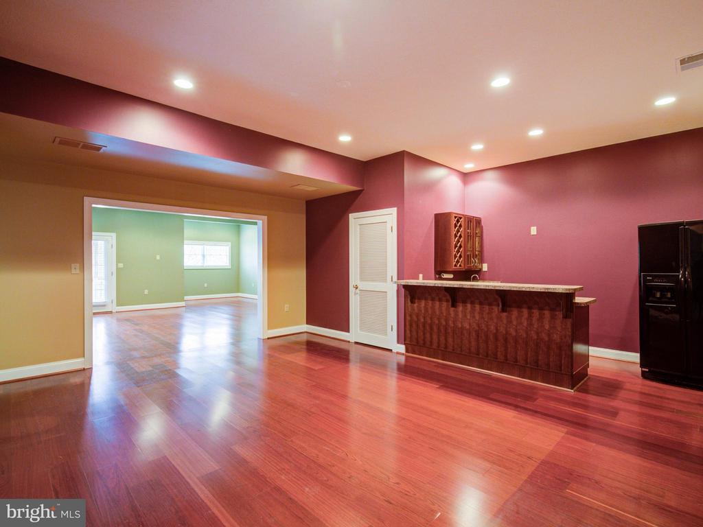 Basement Rec Room - 104 JULIE CT, WINCHESTER