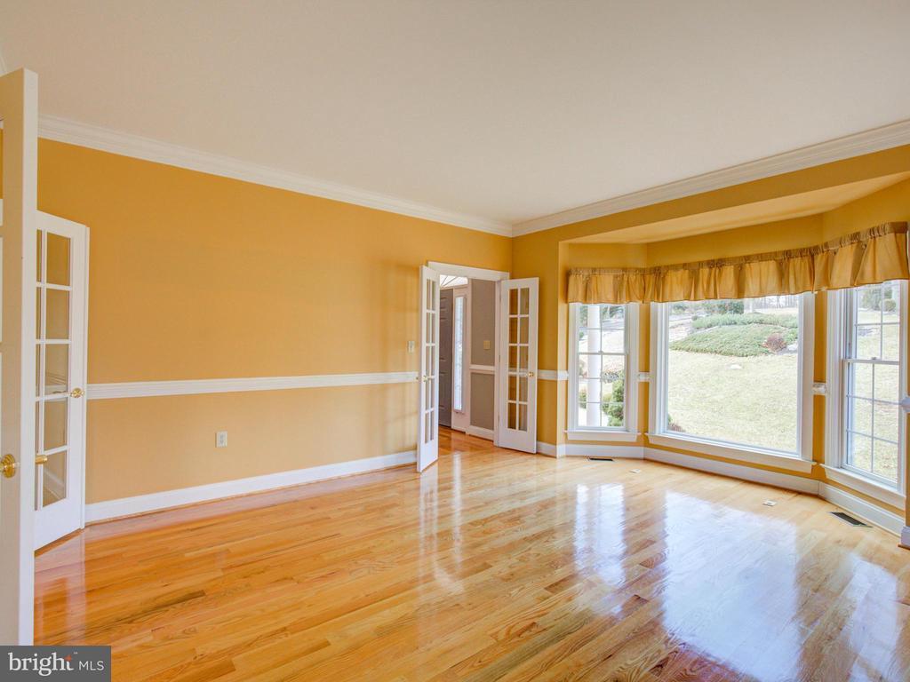 Living Room - 104 JULIE CT, WINCHESTER