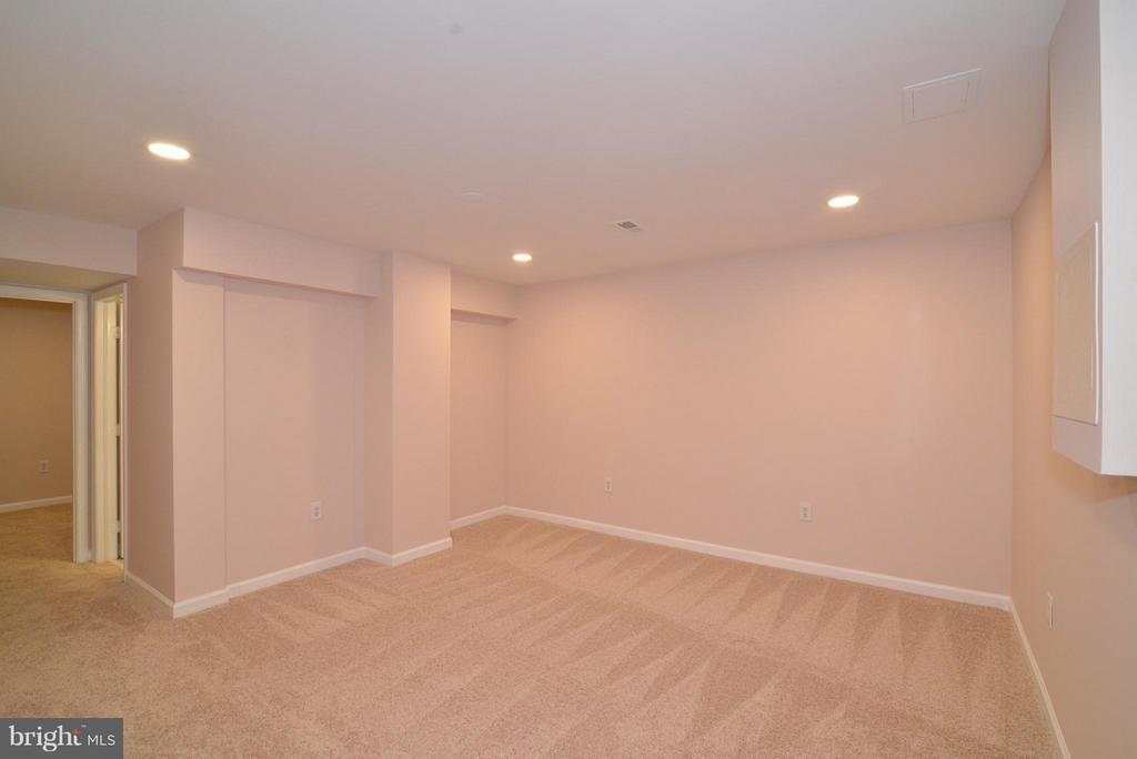 Fully-finished lower level -here is the rec. room. - 30 DORRELL CT, STERLING