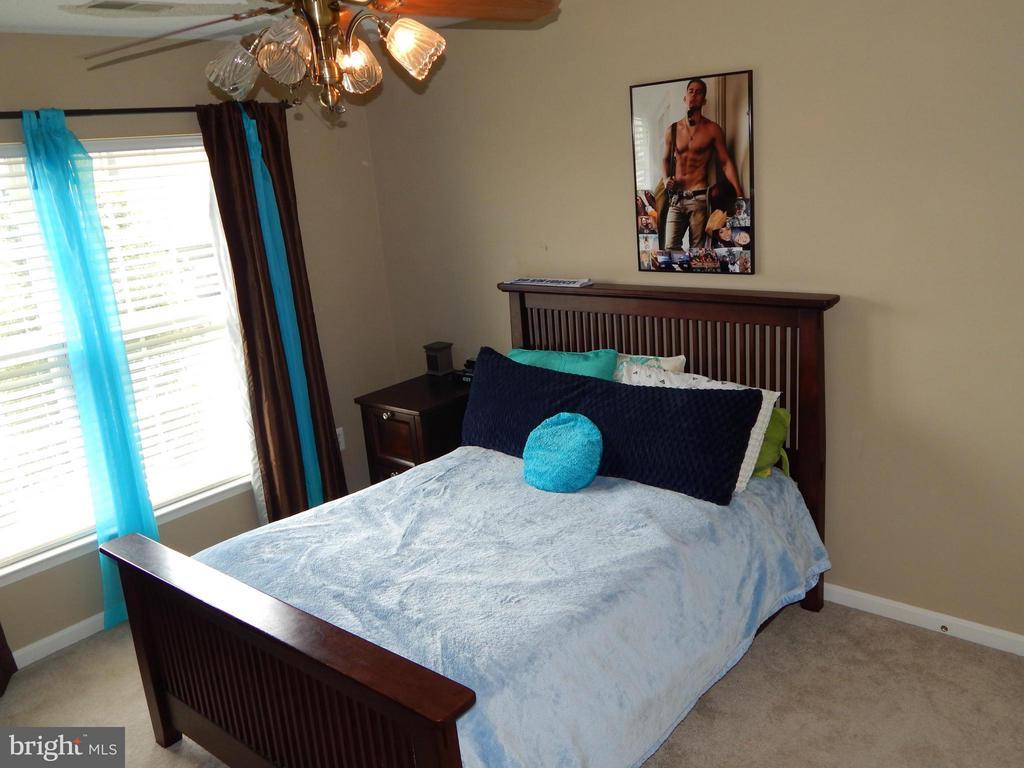Bedroom 2 w/Ceiling Fan - 6831 BUCK LN, FREDERICKSBURG