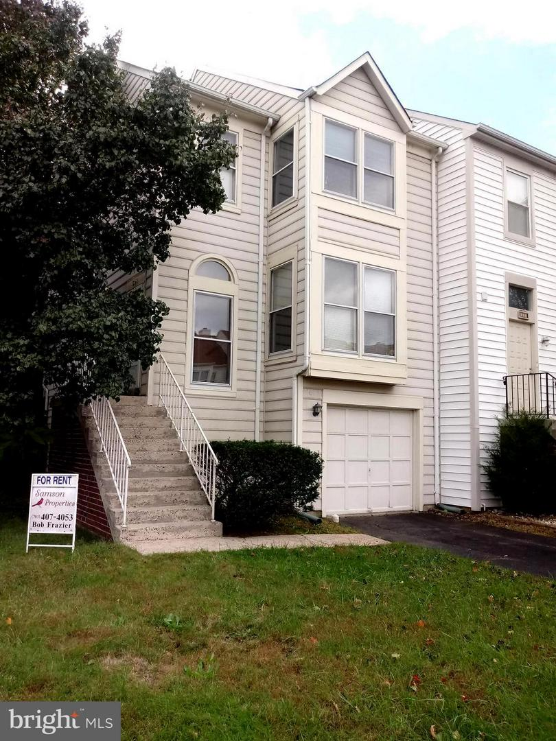 Photo of home for sale at 501 Dakota Drive, Herndon VA