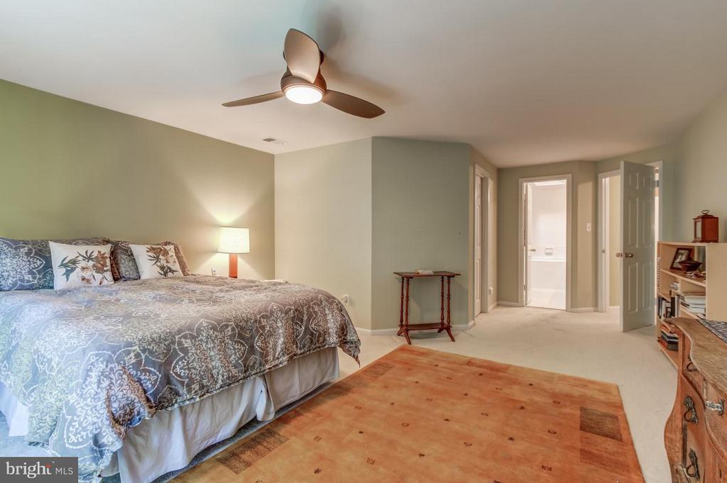 Master Bedroom opens to full Bath - 11749 ARBOR GLEN WAY, RESTON