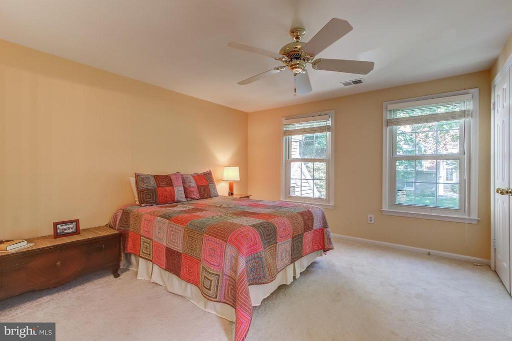 Secondary Suite overlooks yard - 11749 ARBOR GLEN WAY, RESTON
