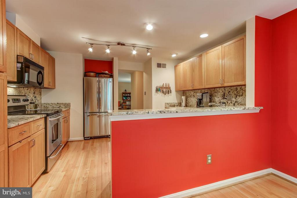 Warm Kitchen highlights include lighting - 11749 ARBOR GLEN WAY, RESTON